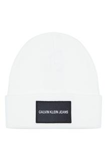 Белая шапка с логотипом Calvin Klein