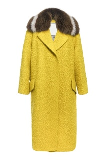 Желтое пальто с меховой отделкой Color Temperature