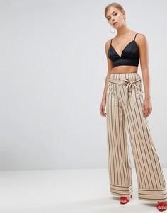 Широкие брюки телесного цвета в полоску с поясом Missguided - Бежевый