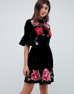 Короткое приталенное бархатное платье с вышивкой ASOS DESIGN - Черный