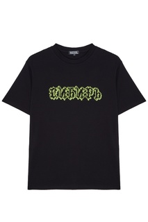 Черная футболка с надписью Artem Krivda