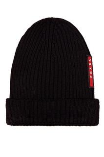 Черная шапка в рубчик Prada