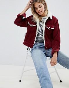Малиновая вельветовая куртка с меховым воротником ASOS DESIGN - Красный
