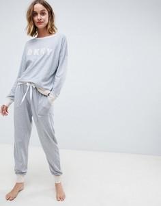 Пижамный комплект с топом и джоггерами DKNY - Серый