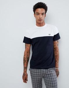 Бело-синяя футболка с логотипом Fred Perry - Темно-синий