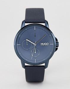 Часы с синим циферблатом и кожаным ремешком HUGO 1530033 Focus - Синий
