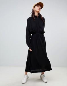 Присборенное платье миди с высоким воротником Weekday - Черный