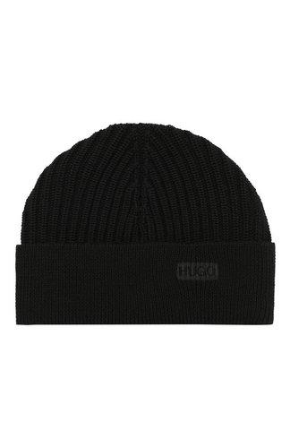 Шерстяная шапка фактурной вязки HUGO