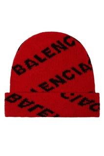 Красная шапка с логотипом Balenciaga