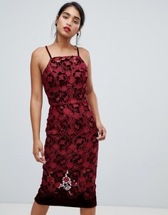 c1957abbd9a Кружевное платье-футляр миди винного цвета на бретельках с бархатными  вставками Chi Chi London -