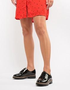 Лакированные туфли на плоской подошве со шнуровкой New Look - Черный