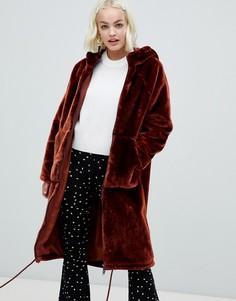 Коричневое пальто с молнией и искусственным мехом на капюшоне Monki - Коричневый
