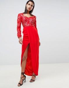 Красное платье макси с вырезом сердечком и высоким разрезом Virgos Lounge - Красный