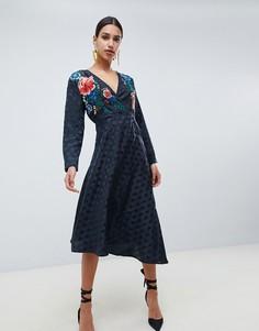 Жаккардовое платье миди с запахом и вышивкой ASOS DESIGN - Черный