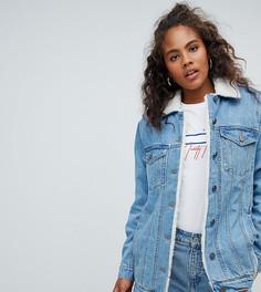 Синяя джинсовая куртка с воротником борг ASOS DESIGN Tall - Синий