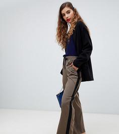 Строгие клетчатые брюки в стиле джоггеров Monki - Коричневый