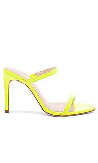 Туфли на каблуке с открытым носком levi - RAYE