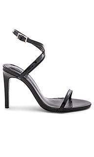 Туфли на каблуке с открытым носком kai - Chrissy Teigen
