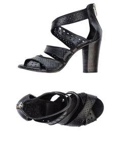 Босоножки на каблуке Pantanetti