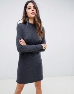 Вязаное платье с высоким воротом Y.A.S - Серый
