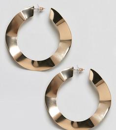 Золотистые серьги-кольца с кованым эффектом DesignB London - Золотой