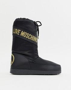 Зимние сапоги с символикой мира Love Moschino - Черный