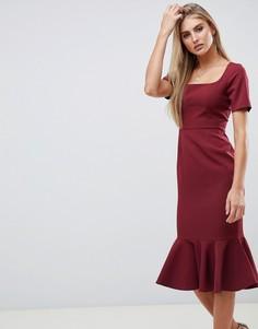 Платье-футляр миди с короткими рукавами и баской ASOS DESIGN - Красный