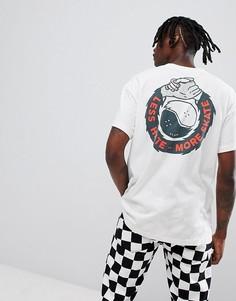 Белая футболка с надписью Less Hate More Skate на спине Globe - Белый