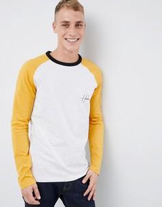 Серая футболка с длинными рукавами реглан и вышивкой New Look - Серый