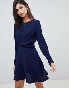 Темно-синее короткое приталенное платье с перекрученной отделкой Boohoo - Темно-синий