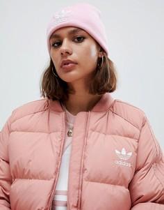 Розовая шапка-бини с вышитым логотипом adidas Originals - Розовый