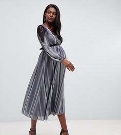 Приталенное платье миди с кружевной вставкой и полосками цвета металлик Little Mistress Maternity - Серый