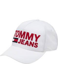 Белая хлопковая бейсболка с нашивками Tommy Jeans