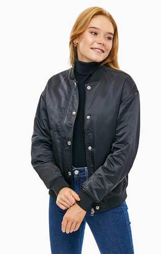 Легкая куртка-бомбер черного цвета