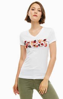 Белая футболка с отделкой пайетками Guess