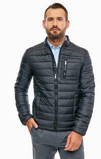Демисезонная куртка черного цвета с дополнительными наушниками Guess