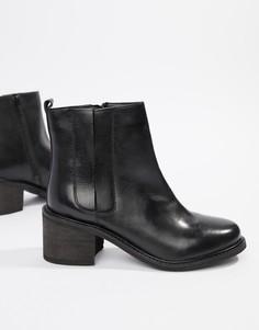 Кожаные ботинки на среднем каблуке Rule London - Черный
