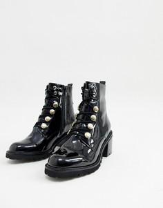 Черные лакированные ботинки на каблуке в стиле милитари River Island - Черный