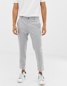 Серые укороченные облегающие брюки в полоску Bershka - Серый