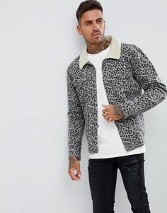 Джинсовая куртка с воротником борг и леопардовым принтом boohooMAN - Серый