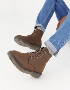 Коричневые ботинки на шнуровке с массивной подошвой Bershka - Коричневый