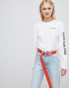 Лонгслив с логотипом на рукаве Calvin Klein Jeans - Белый