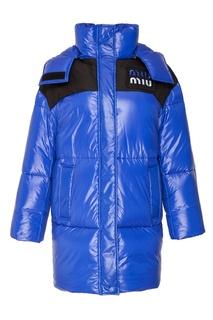 Синее стеганое пальто с логотипом Miu Miu