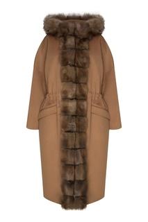 Бежевое пальто с меховой отделкой Dreamfur