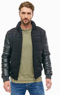 Короткая демисезонная куртка-бомбер со скрытым капюшоном Guess