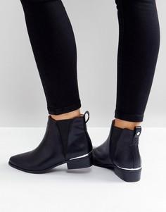 Ботинки челси на низком каблуке с металлической вставкой London Rebel - Черный