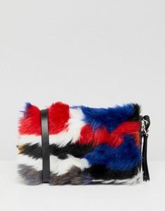 Кошелек из разноцветного искусственного меха с ремешком на плечо Monki - Мульти