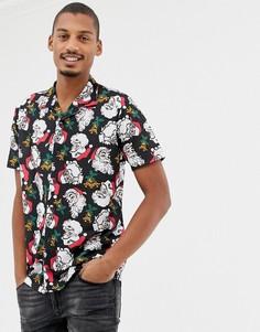 Новогодняя рубашка с короткими рукавами, отложным воротником и принтом Санта-Клауса Urban Threads - Черный