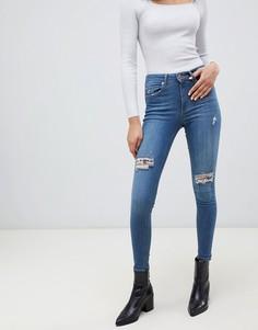 Выбеленные джинсы скинни с рваной отделкой Miss Selfridge - Синий