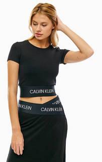 Укороченная черная футболка из вискозы Calvin Klein Performance